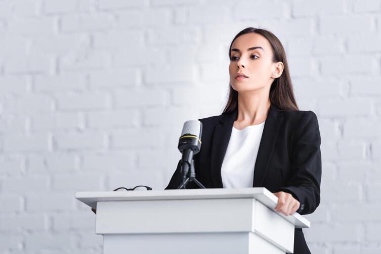 Как справиться с волнением перед выступлением?