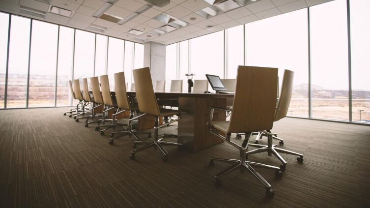 Как выбрать офисное кресло для персонала?