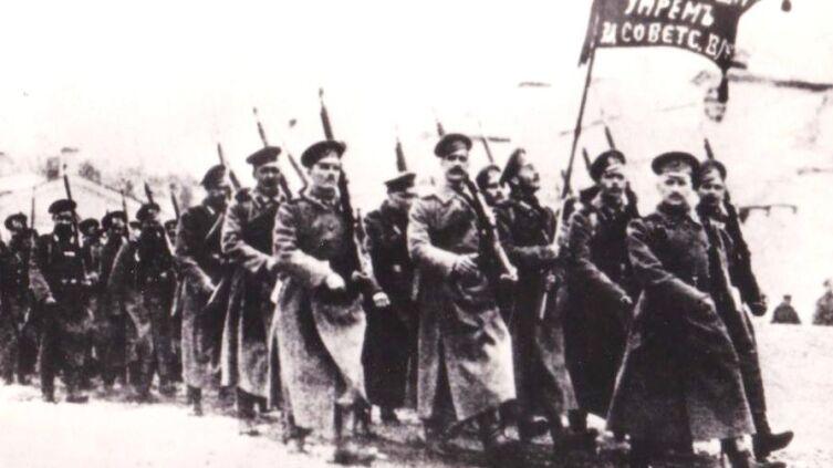 Отряд красногвардейцев. Псков. Февраль 1918 г.