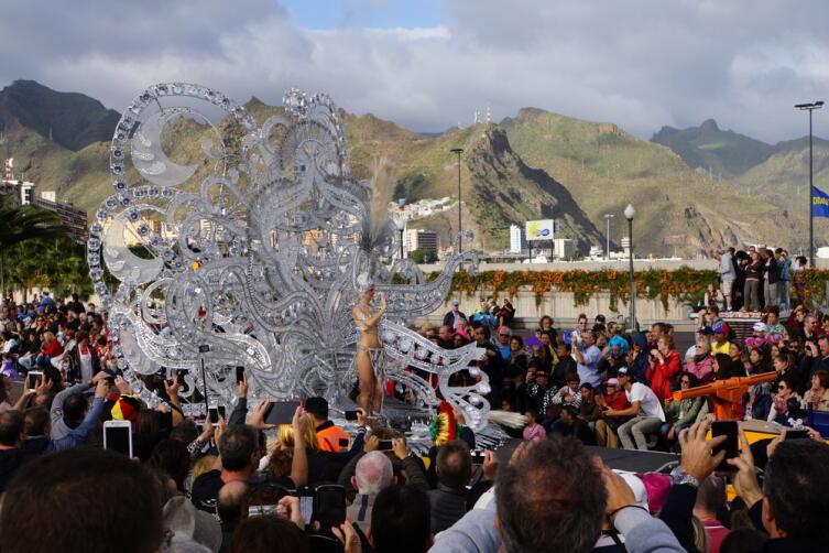 Карнавальный парад на Канарских островах, Санта-Крус-де-Тенерифе