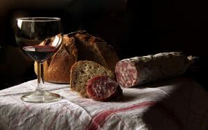 Что подать в качестве закуски к вину?