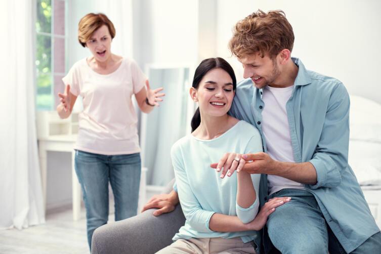 Как сохранить свою семью от постороннего вмешательства?