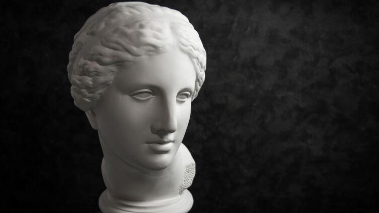 В чём скрытый смысл мифа об Афродите и Пигмалионе?