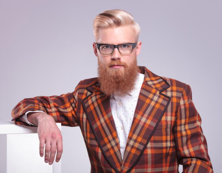 А у вас в бороде есть рыжие волосы? Верная примета...