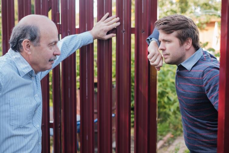 Как избежать вражды с соседями?