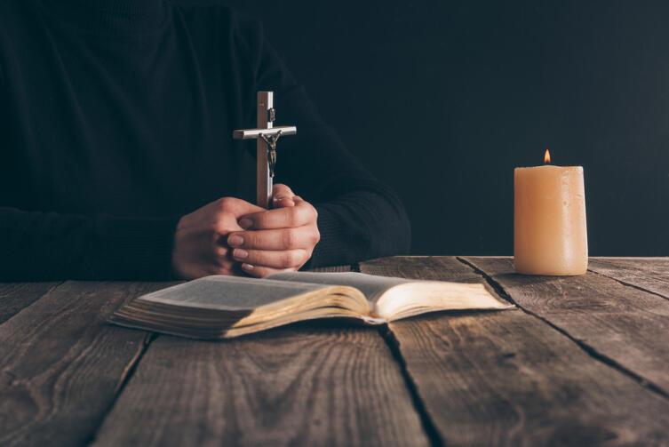 Старайтесь избегать всего, что является греховным и отвлекает от мыслей о Боге