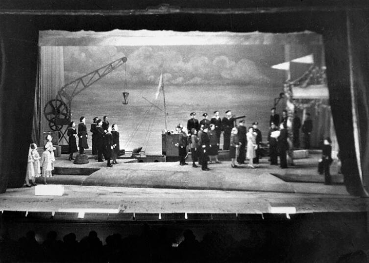 Спектакль. Ленинград, 1942 г.