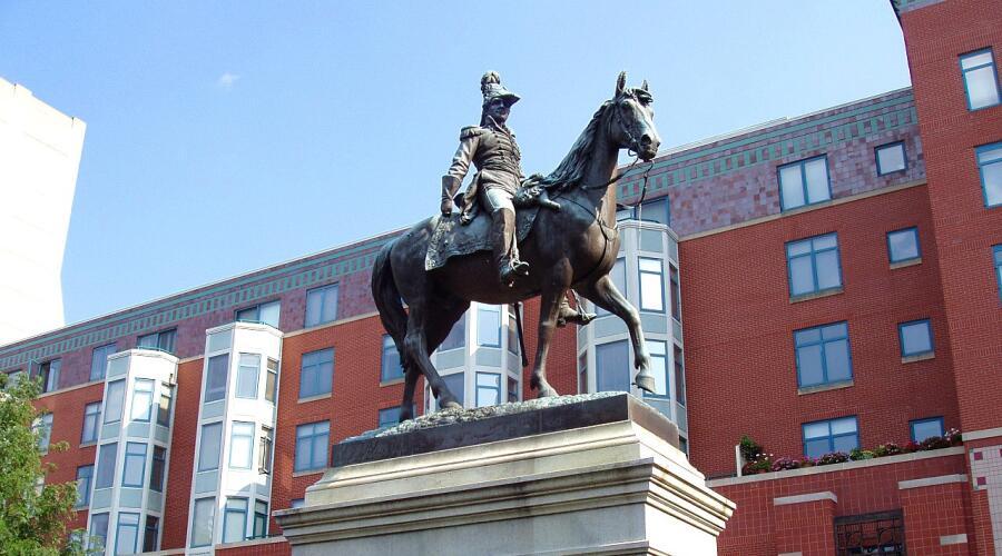 Статуя Гаррисона в Цинцинатти, штат Огайо