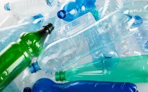 Пустые пластиковые бутылки: как их использовать в приусадебном хозяйстве?