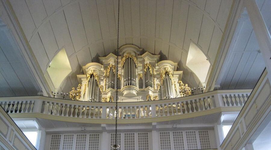 Орган на котором играл Бах в городе Арнштадте