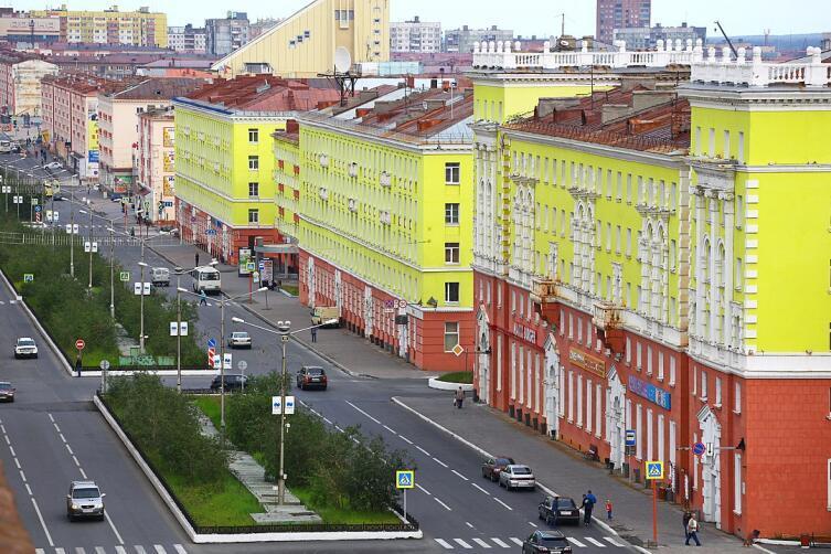 Улица Норильска. Наши дни, лето