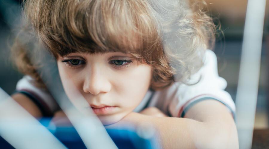 Чем опасны насмешки над ребенком?