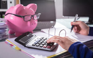 Как научиться разумно экономить деньги?