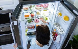Какие продукты не стоит есть перед сном, чтобы не вызвать бессонницу?