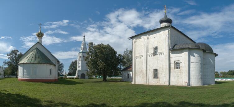 Архитектурный ансамбль в селе Кидекша