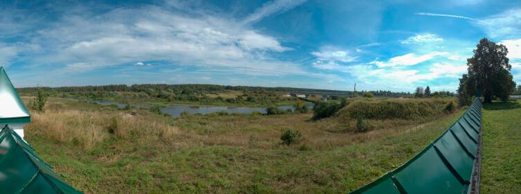 Панорама на мост через реку Нерль