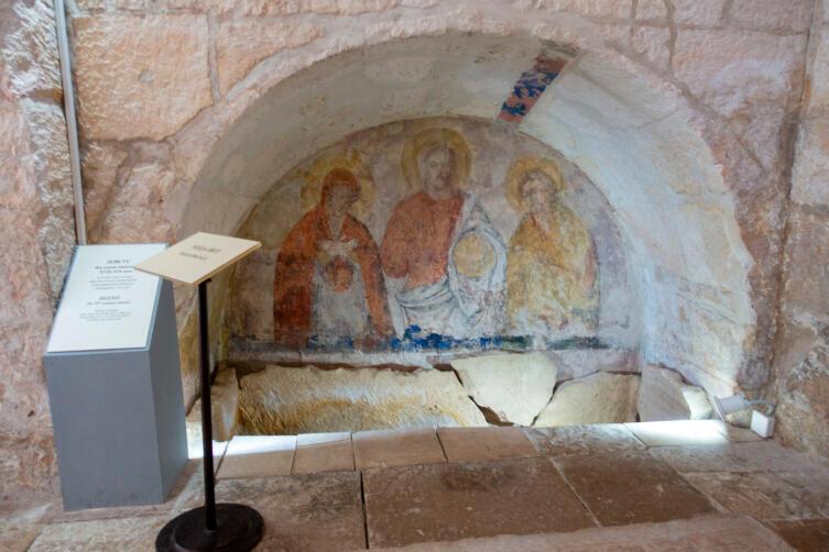 Роспись «Деисус» в стенной нише