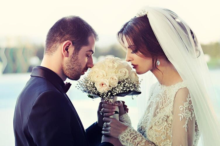 Занимательная астрология: в каком возрасте вступают в брак разные знаки Зодиака?