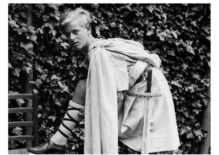 Юный Филипп— принц Датский и Греческий в изгнании