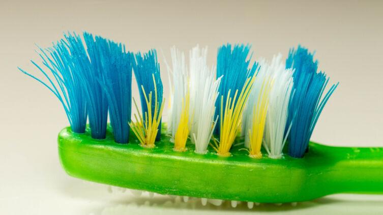 Что может рассказать зубная щётка?