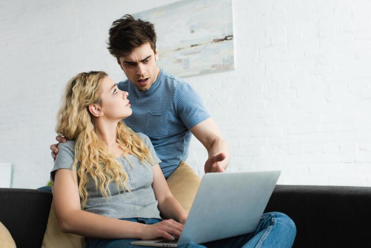 Если ваша работа целиком строится на ноутбуке, то выход его из строя — катастрофа