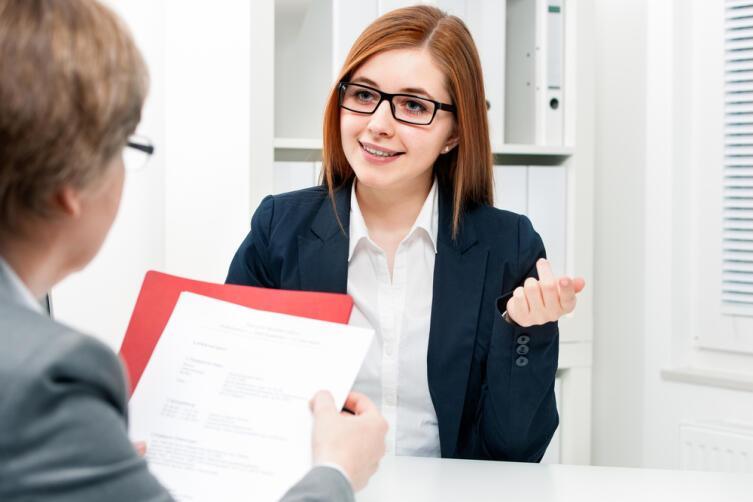 Составьте собственное резюме, отошлите по кадровым агентствам