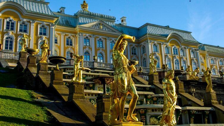 Путешествуем по России. Почему на майские праздники надо ехать в Санкт-Петербург?
