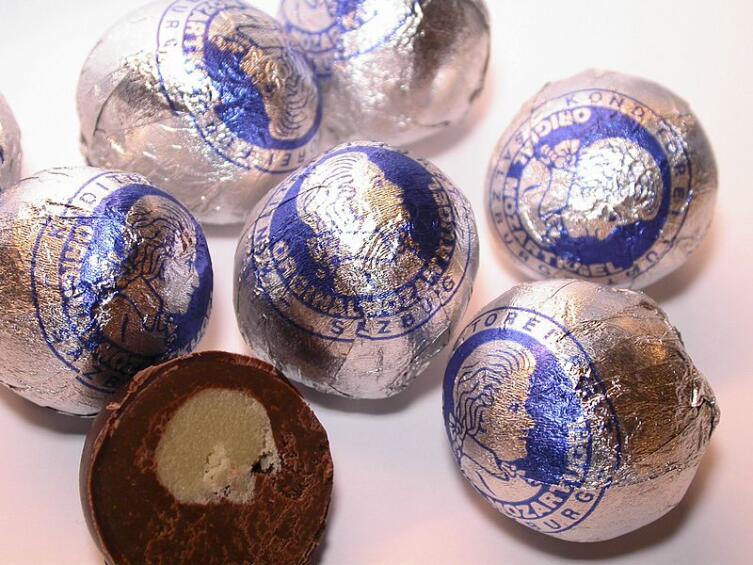 Изготавливаемые вручную зальцбургские моцарткугели