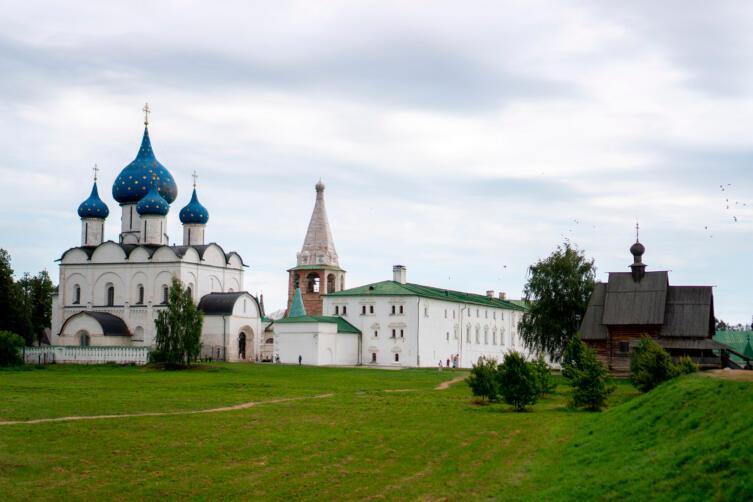 Собор Рождества Пресвятой Богородицы и соборная колокольня
