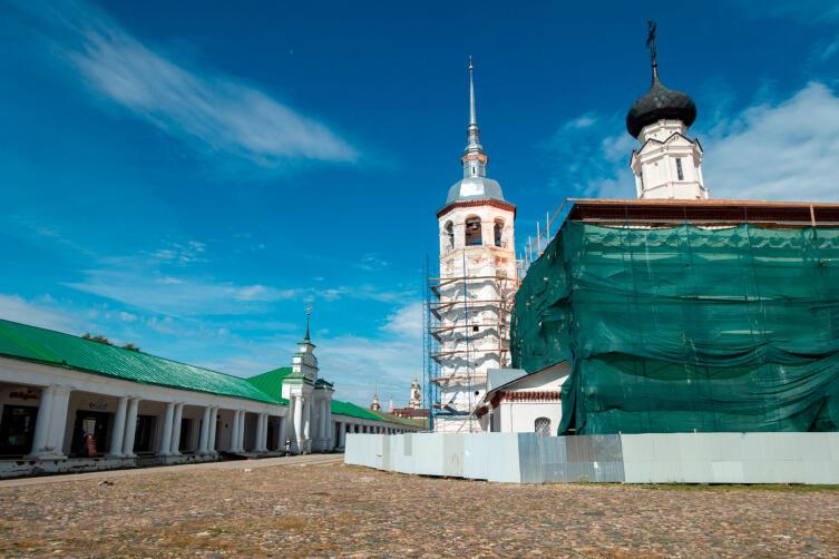 Торговая площадь, Торговые ряды, Казанская церковь