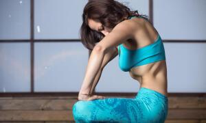 Чем полезно упражнение «Вакуум живота»?