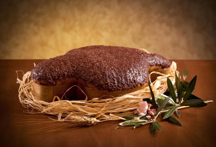 Коломба, покрытая шоколадной глазурью