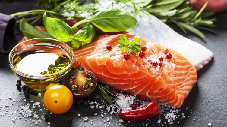 Чем приправить рыбу, чтобы она получилась очень вкусной и ароматной?