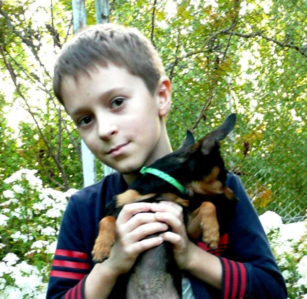 Федя (8 лет)— сосед по даче, ставший нам с супругой внучком. Фото 2020г.