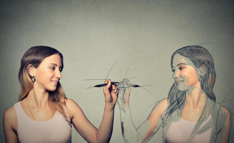 Жаль, что быть собой мы не учимся и, как следствие, не умеем
