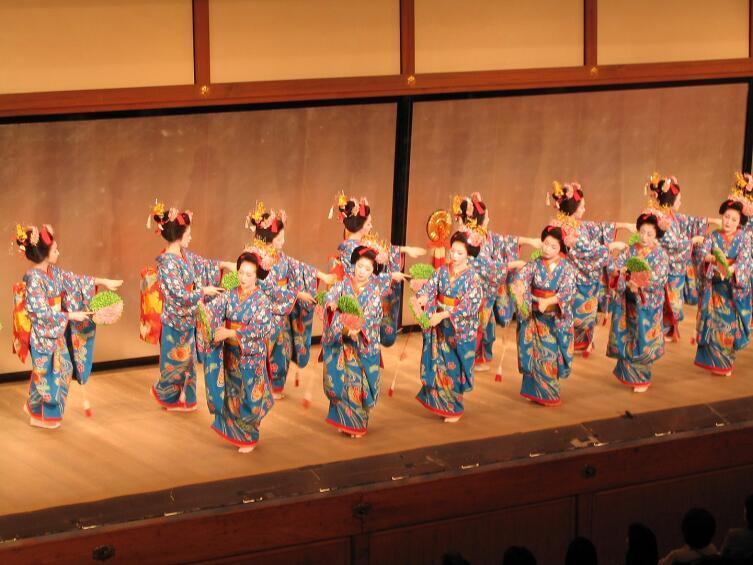 Танец майко на Мияко-одори