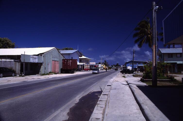 Главная улица Маджурро, столицы Маршалловых островов