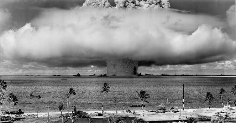 Ядерные испытания на атолле Бикини, 1946 г.