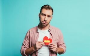 Почему не нужно драматизировать безответную любовь?