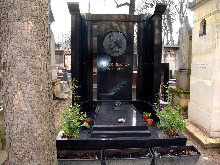 Могила Берлиоза на кладбище Монмартр