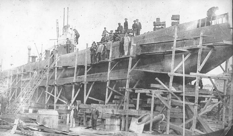 Подводный минный заградитель