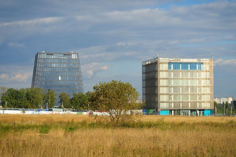 Первые объекты инновационного центра «Сколково»: «Гиперкуб» и «Матрешка», сентябрь 2014 г.