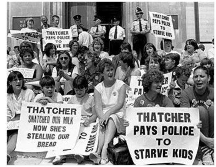 Маргарет Тэтчер получила прозвище «Тэтчер— похитительница молока» за прекращение помощи беднейшим детям