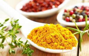 Что использовать в домашней кулинарии — шафран или куркуму?