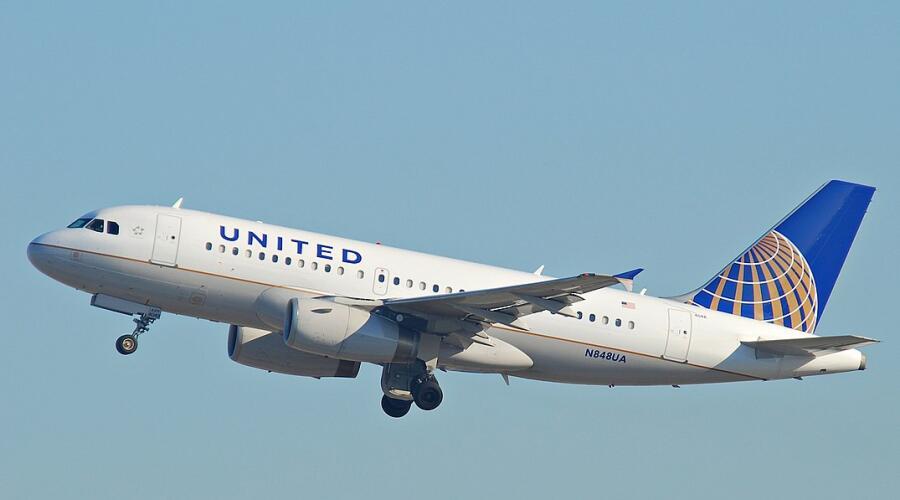 Самолет компании United Airlines, бывшей Boeing Air Transit