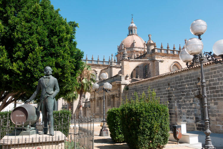 Памятник Tio Pepe