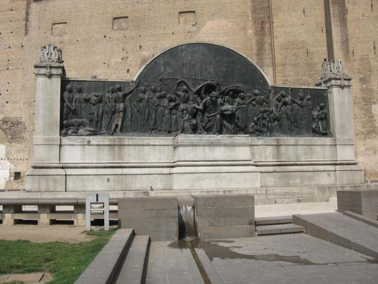 Монумент Верди в Парме
