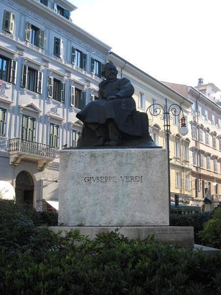 Монумент Верди в Триесте