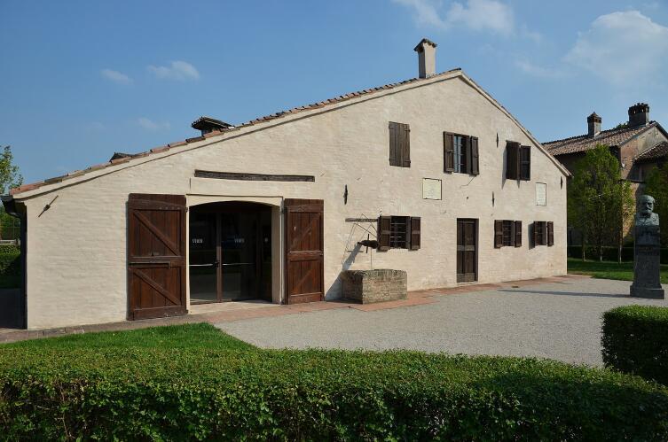 Дом в деревне Ле Ронколе, где родился Джузеппе Верди