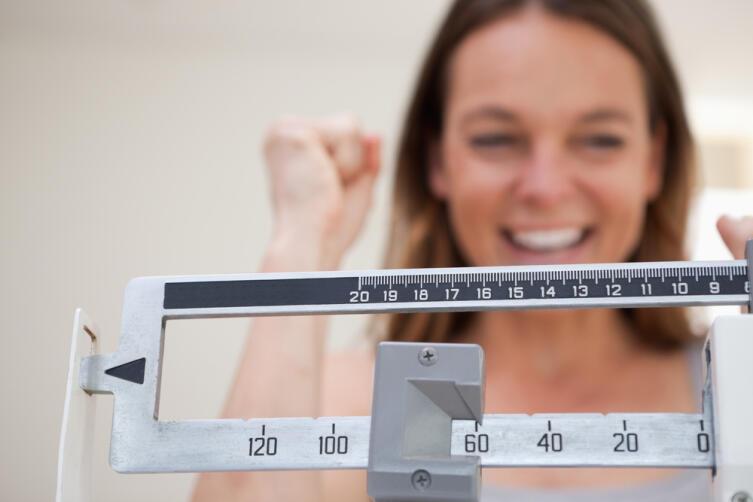 Известная формула «нормального веса»: «рост минус сто десять» для мужчин и «рост минус сто» для женщин